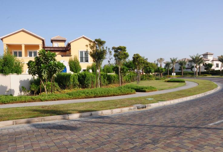 "Beautiful Spanish style Villa for sale in the ""Villas"", Dubailand"