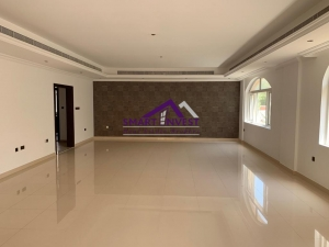 Luxurious 4 BR Villa for rent in Umm Suqeim 2 for AED 300k/yr